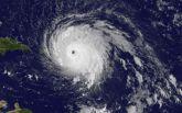 """В Атлантиці розбушувався ураган """"Марія"""": опубліковано відео"""