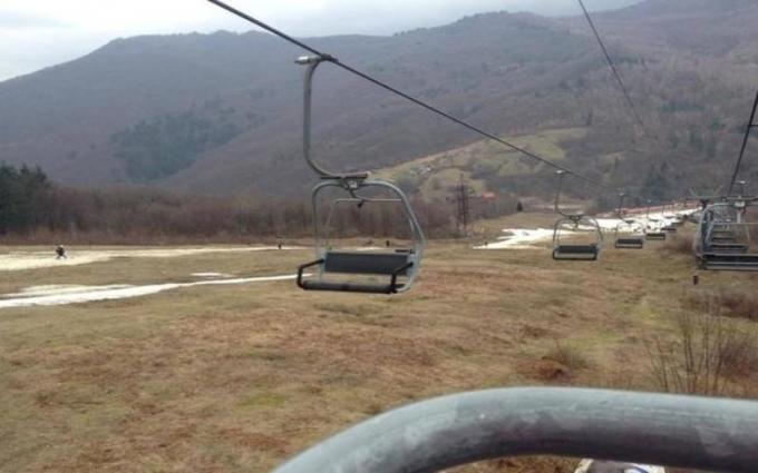 Министр спорта отреагировал на позорище с лыжниками в Карпатах