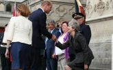 Тереза Мэй насмешила странным реверансом на встрече с принцем Уильямом: опубликовано видео