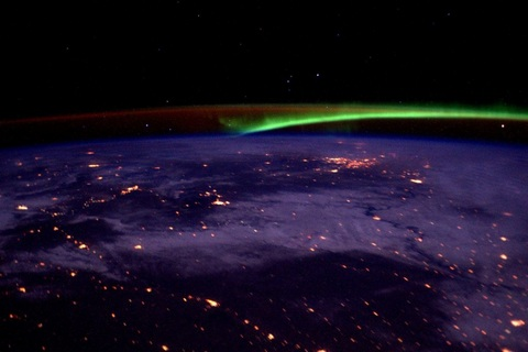 Опубликовано фото северного сияния с МКС (1)