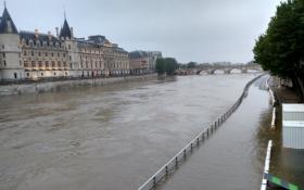 Париж затопила річка Сена, яка вийшла з берегів: з'явилися фото і відео