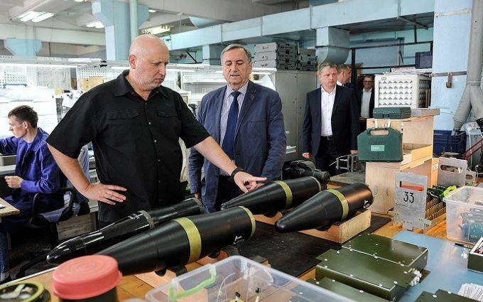 Пробивають метрову броню: в РНБО похвалилися потужними українськими ракетами