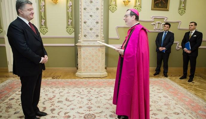Петр Порошенко принял верительные грамоты от послов Пакистана, Латвии, Ватикана и Бангладеша
