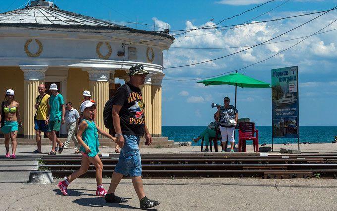 У Луценка жорстко пройшлися по тих, хто їде відпочивати до Криму