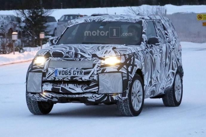 Компания Land Rover вывела на тесты обновленный Discovery (5 фото) (2)