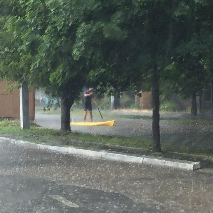Злива затопила місто під Одесою: з'явилися вражаючі фото і відео (1)