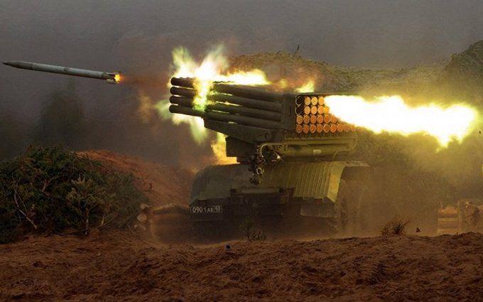 """Бойовики з """"Градів"""" обстрілюють позиції ООС: серед бійців ЗСУ багато поранених"""
