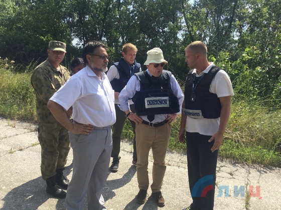 Бойовики ДНР зробили шокуючу пропозицію чиновнику ОБСЄ: опубліковані фото (1)