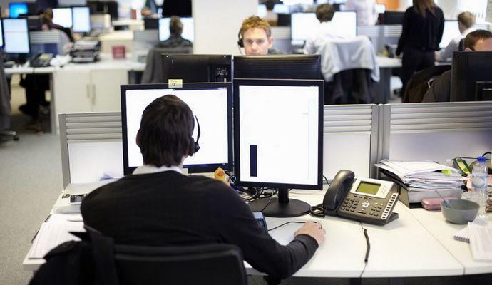 Вчені: інтроверти не можуть працювати в сучасних офісах