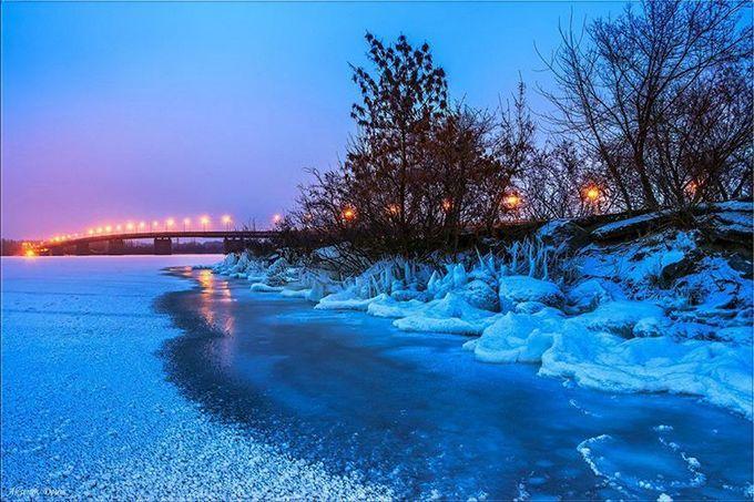 Днепр засыпало снегом: в сети публикуют фото настоящей зимней сказки