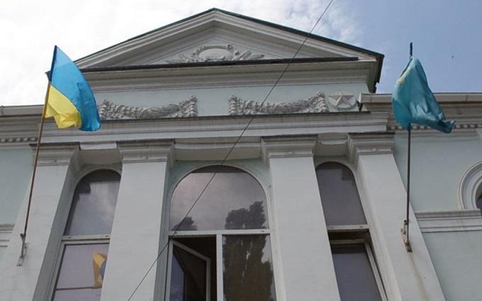 Неизвестные напали на офис Меджлиса в оккупированном Симферополе