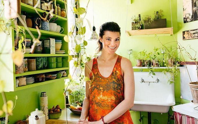 Женщина посадила у себя дома 500 растений: фото самых зеленых апартаментов