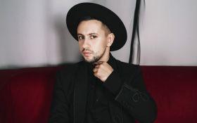 Украинский певец стал лицом рекламной кампании российского оператора