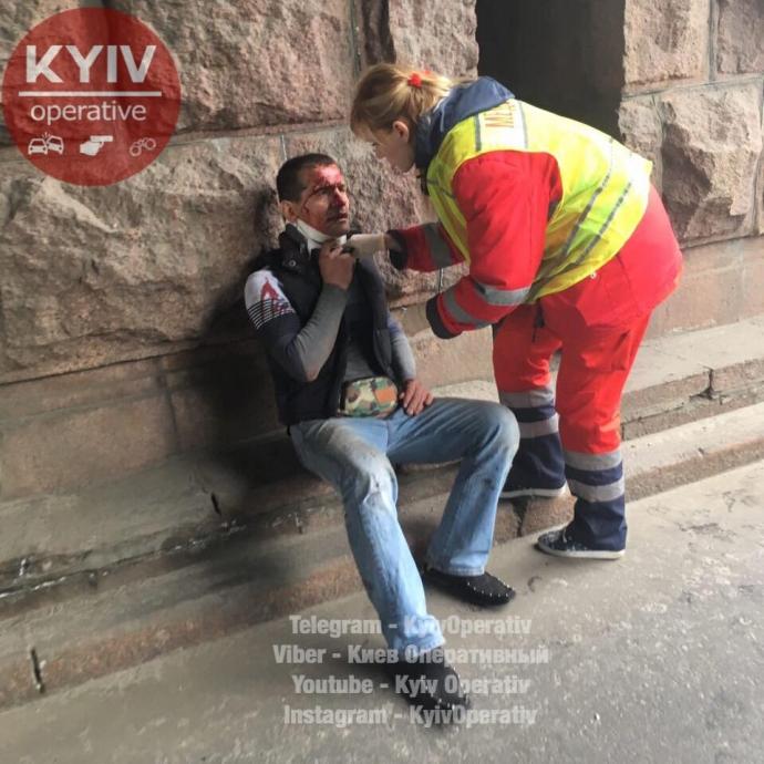 В Киеве из-за тройного ДТП заблокирован один из главных проспектов: появились фото (1)