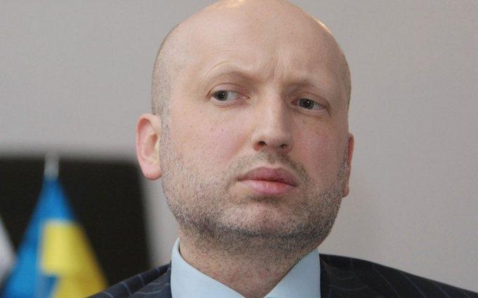 Турчинов призвал готовиться к волне переселенцев из России