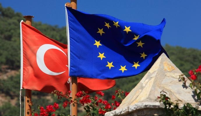 Канцлер Германии считает, что Турции еще рано в ЕС