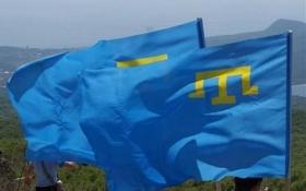 У Криму невідомі зі зброєю захопили сотню кримських татар