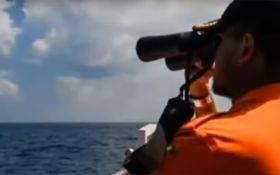 Біля берегів Малайзії пропало судно з десятками туристів: з'явилися фото і подробиці
