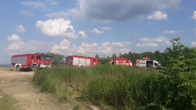 На звалищі під Львовом завалило трьох рятувальників: з'явилися фото і відео (1)