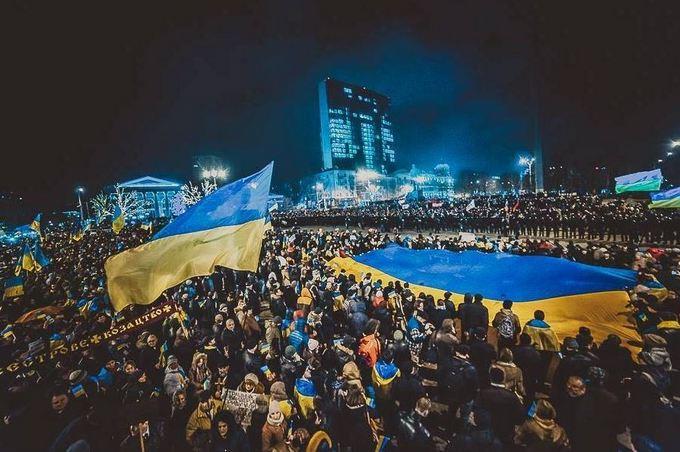 В соцсетях вспомнили большой проукраинский митинг в Донецке в 2014-м: опубликованы фото (3)