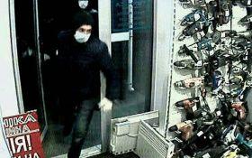"""В Киеве полиция разыскивает """"разбойников-хронометристов"""""""