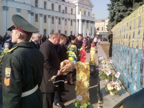 День захисника України в Житомирі відзначили урочистою ходою почесної варти (8 фото) (5)