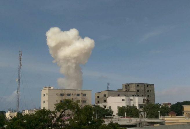 У Сомалі смертник атакував базу миротворців, є загиблі: з'явилися фото (1)