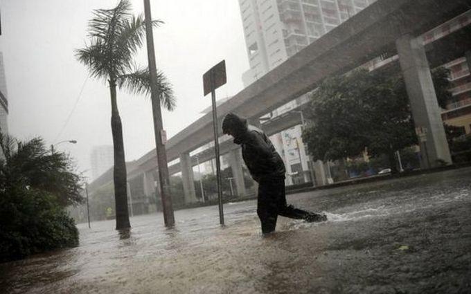 Ураган Ірма затопив Майамі: опубліковані відео