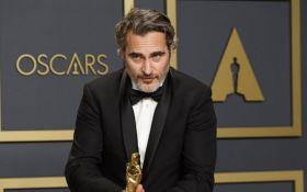 """Зал чуть не заплакал: Хоакин Феникс поразил эмоциональной речью на """"Оскаре 2020"""""""
