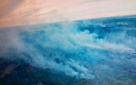 После стрельб на полигоне под Днепром уже сутки бушует пожар