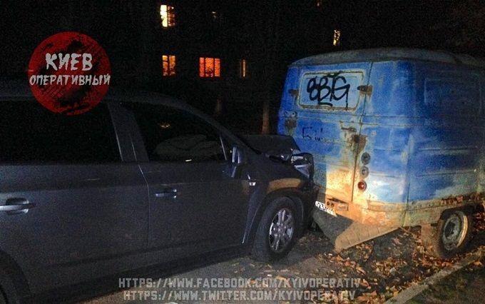 Київський водій влаштував п'яну ДТП і кидався на людей з ножем: з'явилися фото