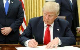 Трамп первыми указами начал бороться с тем, что делал Обама