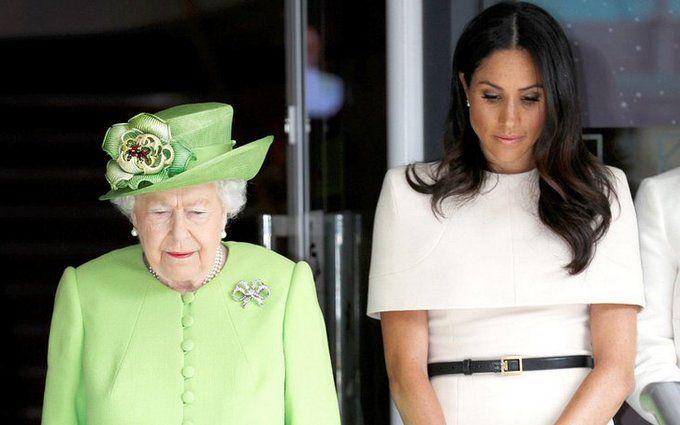 Забыла королевские правила: Меган Маркл оконфузилась в первой поездке с Елизаветой II