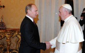 Путин пафосно поздравил Папу Римского с юбилеем: в сети иронизируют