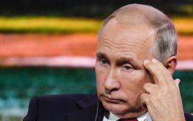 Путину посвятили едкий стих за его работу на немецкую разведку