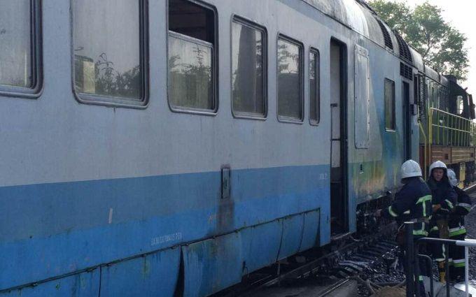 Под Черновцами люди выпрыгивали изокон электрички из-за сильного дыма