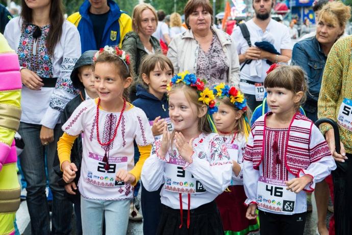На Русанівській набережній стартують безкоштовні бігові тренування під керівництвом Олександра Кузіна (1)