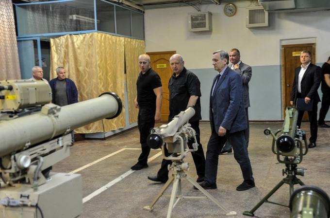 Пробивают метровую броню: в СНБО похвастались мощными украинскими ракетами (1)