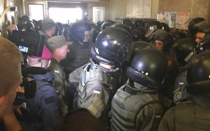 У Львові сесія міськради переросла в бійку: опубліковані фото і відео (1)