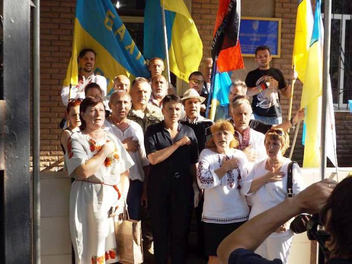 Савченко відвідала в'язницю на Донбасі: з'явилися фото (1)