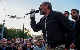 У Вірменії зник затриманий лідер протестів