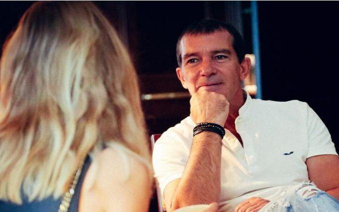 Відома супермодель показала пікантне відео з Бандерасом