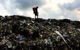На Шрі-Ланці гора сміття накрила десятки житлових будинків, є загиблі: з'явилося відео