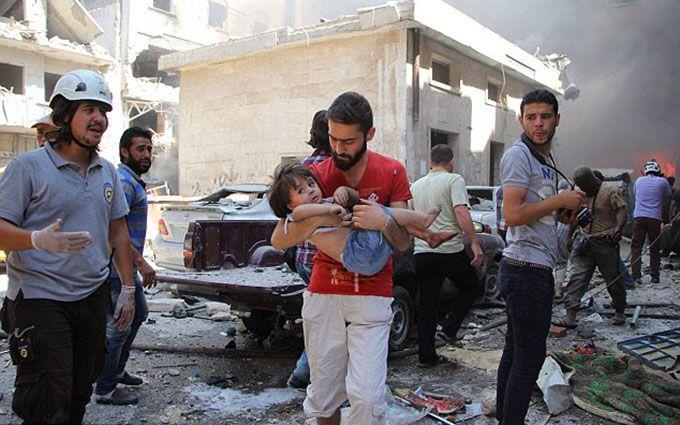 Росія авіацією розбомбила ринок в Сирії, десятки загиблих: з'явилися відео