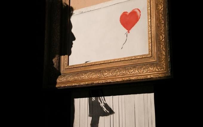 Оригинальное решение: самоуничтожившуюся картину Бэнкси перепродали как шедевр моментального искусства