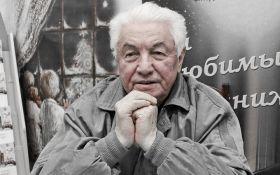 Умер российский писатель, который поддерживал украинских политзаключенных