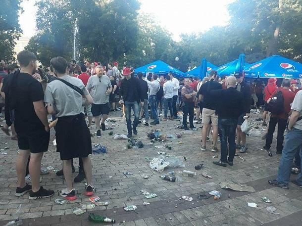 Вот вам и Европа: появились шокирующие фото и видео замусоренного Киева после финала ЛЧ-2018 (2)