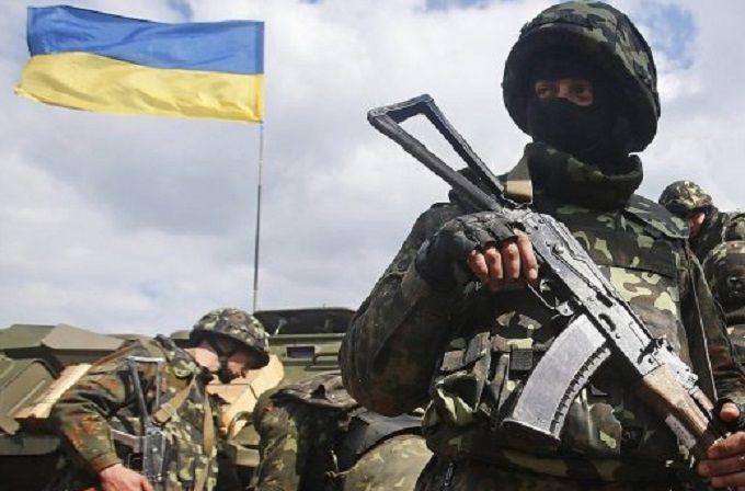Боевики усиливают обстрелы на Донбассе: ранены несколько украинских бойцов