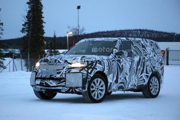 Компания Land Rover вывела на тесты обновленный Discovery (5 фото) (1)