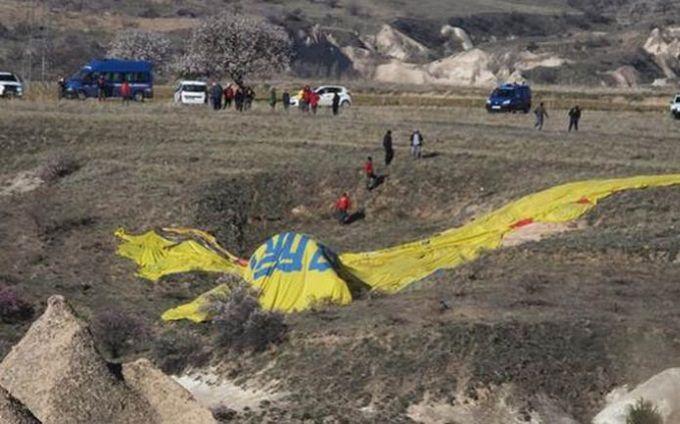 У Туреччині впала повітряна куля з туристами, є жертви: з'явилися фото